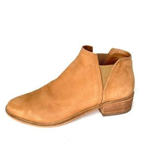 DOLCE VITA Soft Suede Ankle Boots, 8